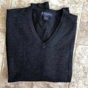 Brooks Brothers Merino wool V-neck sweater